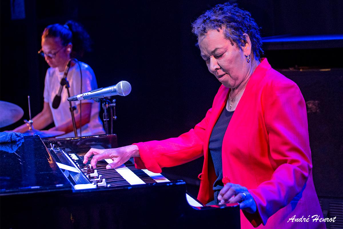 Julie Saury - Rhoda Scott