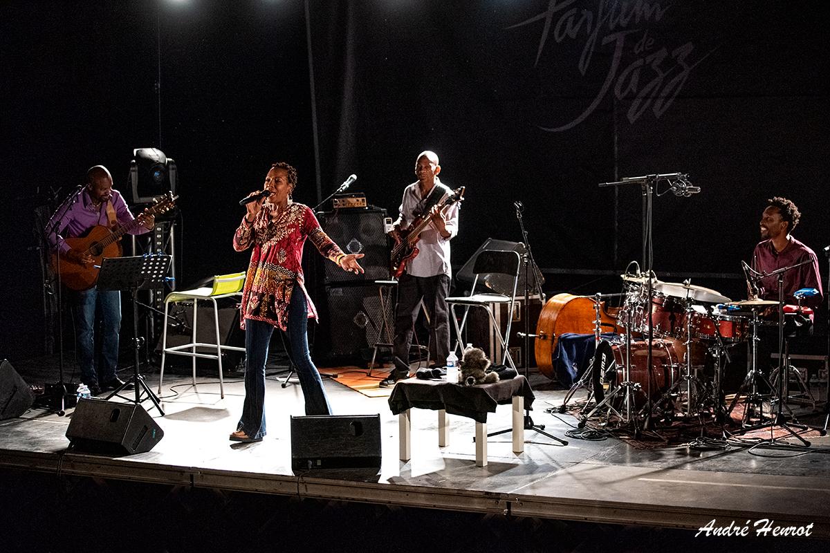 Yann-Negrit - Lisa Simone - Reggie Washington - Sonny Troupe
