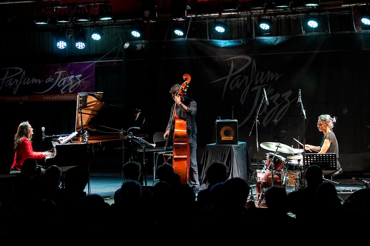 [PARFUM DE JAZZ]  Le mercredi 12  aout à Buis-les-Baronnies, Carine Bonnefoy trio