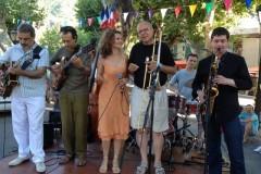 concert-apéritif-Place-du-Quinconce-15-août-2013-Daniel-Barda-tb-Dmitiri-Baevsky-sax-Gabriel-Amfosso-et-JP-Martinez-guitares